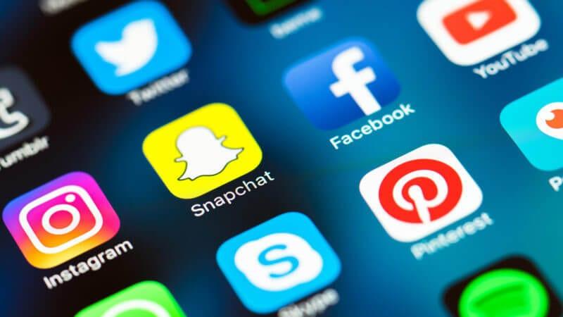 social media mobile icons snapchat facebook instagram ss 800x450 3 800x450 1